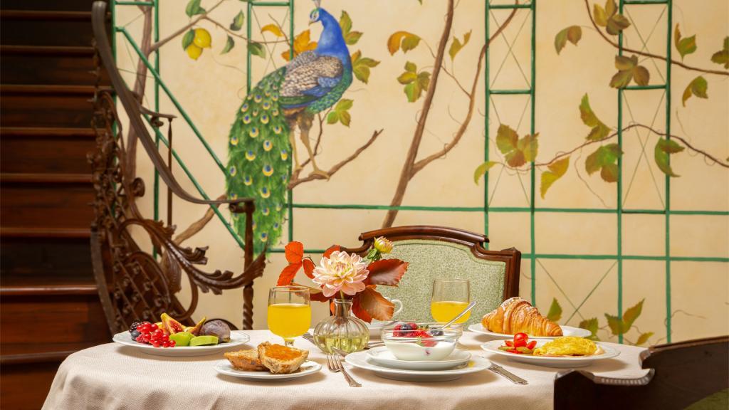 hotel-campo-de-fiori-rome-breakfast-room-7329