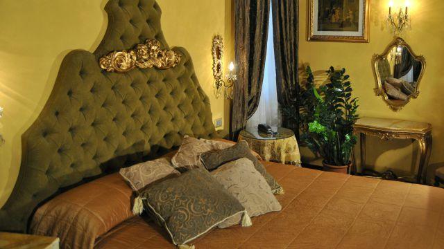 hotel-campo-de-fiori-rome-rooms-08