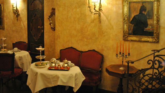 hotel-campo-de-fiori-rome-breakfast-02