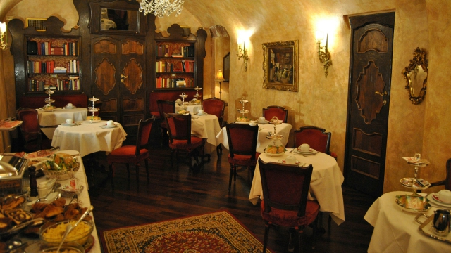hotel-campo-de-fiori-rome-breakfast-03
