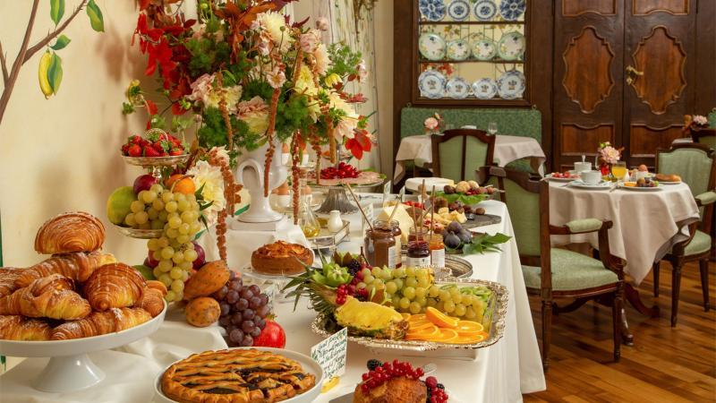 hotel-campo-de-fiori-rome-breakfast-room-7288