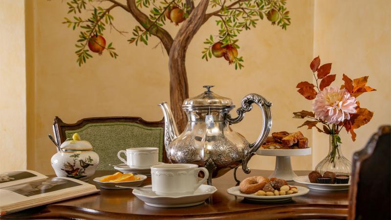 hotel-campo-de-fiori-rome-breakfast-room-7430