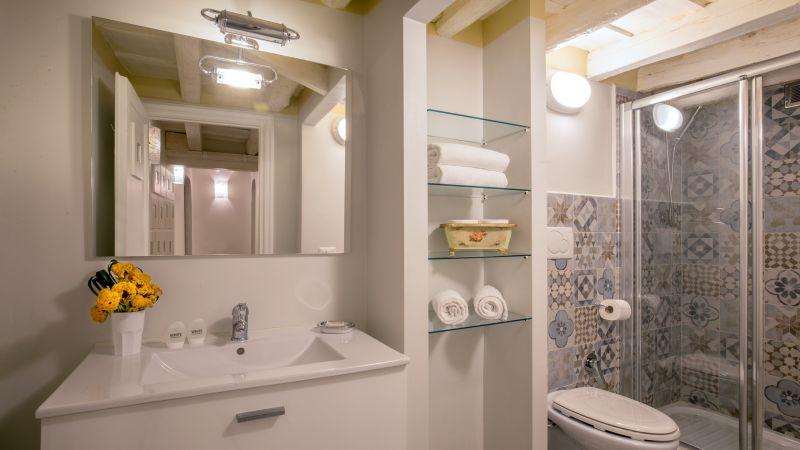 hotel-campo-de-fiori-rome-apartment-7686